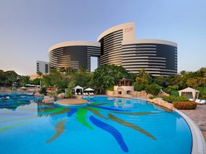 Dubai Grand Hyatt _Exterior_Pools