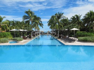 mariott-panama-golf-and-beach-resort-pool-3