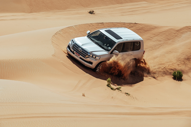 Adventure In Abu Dhabi Off Road Through The Desert The Finest Emirates Luxus Magazin Lifestyle Travel